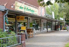 Ladenzeile- Gebäude mit Einzelhandel - Garstedt Norderstedt.