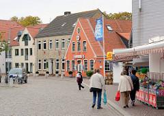 Historische und moderne Architektur, Wassermühlenstrasse in Kappeln - Schleswig Holstein.