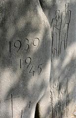 Denkmal Opfer II. Weltkrieg - Friedhof Harksheide / Norderstedt.