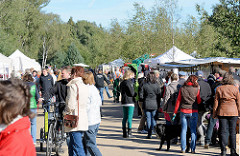 Herbstmarkt - Kunsthandwerkermarkt im Norderstedter Stadtpark.