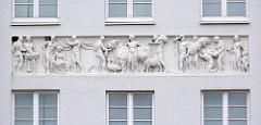 Detail - Dekor, Gebäude am Marktplatz von Wismar - Architekturstile, Baustil.