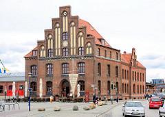 Altes Zollhaus am Hafen in der Hansestadt Wismar.