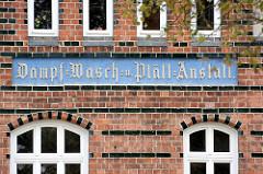 Gewerbegebäude / Industriearchitektur in der Hansestadt Wismar - Backsteinhaus - ehem. Dampf- Wasch und Plättanstalt.