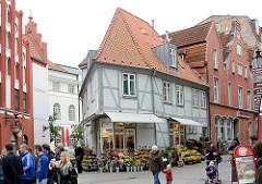 Historische Architektur Wismars - Gebäude hinter dem Rathaus.