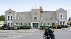 Verwaltungsgebäude - historische Architektur der Jahrhundertwende - Architekturfotografie aus der Hansestadt Wismar.