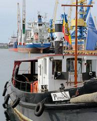Historischer Hafenschlepper PIONIER im Hafen von Wismar - gebaut 1891 in Hamburg; Traditionsschiff der Seehafen Wismar GmbH.