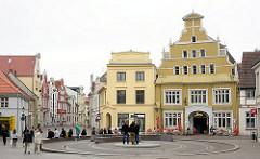 Bilder aus der Hansestadt Wismar - Fotos historische Architektur, Wohnhäuser / Geschäftshäuser.