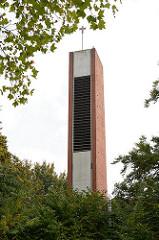 Kirchturm der katholischen Heilig Geist Kirche in Grosshansdorf.
