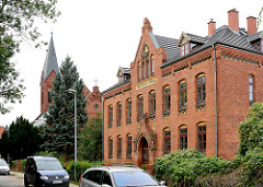 Gebäude Rudolf Kobow Stiftung in der Hansestadt Wismar - Backsteinarchitektur, Klinkerfassade - erbaut 1906.