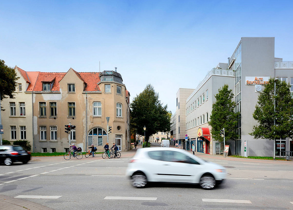 Neu Und Alt   Moderne Architektur, Historische Wohnhäuser   Hansestadt  Wismar.