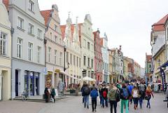 Bilder aus der Hansestadt Wismar - Fotos historische Architektur, Wohnhäuser / Geschäftshäuser an der Bademutterstrasse.
