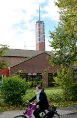 Auferstehungskirche der Evang. - Lutherischen Kirchengemeinde Großhansdorf-Schmalenbeck.