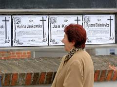 Todesanzeigen am Strassenrand  in Lidzbark Warmiński / Heilsberg.