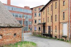 Verlassene Industriearchitektur in Anklam - Ziegelfassade; Backsteingebäude.