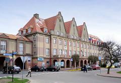 Verwaltungsarchitektur in der polnischen Stadt Władysławowo / Großendorf.