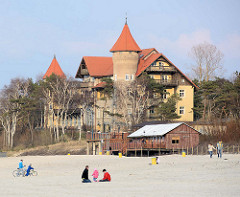 Ehem. Kurhaus am Ostseestrand von Łeba / Leba, erbaut Ende des 19. Jahrhunderts - jetzt Hotel Neptun.