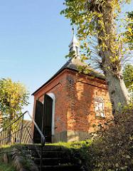 Rantzau-Kapelle in Bad Segeberg; errichtet Ende des 18. Jahrhunderts - das Gebäude ist ein Ehrenmal  zum Andenken an König Frederik II. von Dänemark.