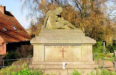 Denkmal der Kirchengemeinde Bad Segeberg - DEN TOTEN DER KRIEGE.