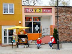 Leerstehendes Fotogeschäft in Lidzbark Warmiński / Heilsberg; Schild zu vermieten - Stand, Strassenverkauf.