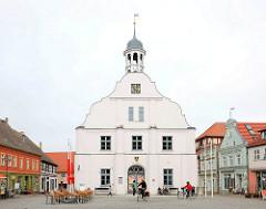 Historisches Rathaus von Wolgast - Wahrzeichen der Stadt; erbaut 1724.