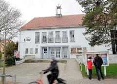 Kino HDE - Ostseepromenade Heringsdorf / Ahlbek - Dünenstrasse. Eröffnet 1957 als Haus der Erholung, bis 2010 als Diskothek und Kino genutzt.
