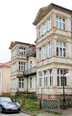 Baufällige Villa - Bäderarchitektur im Ostseebad Heringsdorf / Usedom.