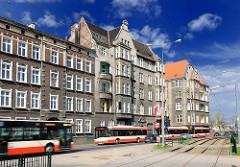Gründerzeithäuser - Wohnhäuser, Etagenwohnungen in Danzig, Gdansk - Autobusse.