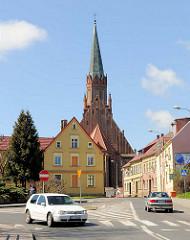 Katholische Pfarrkirche zur Mutterschaft Mariens (Kościół Macierzyństwa Najświętszej Marii Panny) in Trzebiatow / Treptow an der Rega. Dreischiffige Hallenkirche, erbaut im 15. Jahrhundert - Backsteingotik.