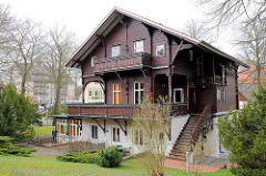 Villa im Ostseebad Heringsdorf auf der Insel Usedom - Holzfassade, Schwarzwaldstil.