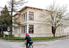 Architektur in der Gemeinde Dreikaiserbäder - Neoklassizistisches Wohnhaus.