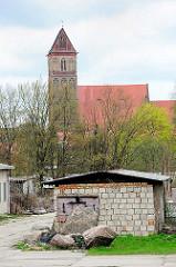 Marienkirche in Anklam - die dreischiffige Hallenkriche der Backsteingotik stammt aus dem 13. Jahrhundert.