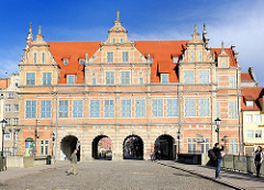 Stadttor in Danzig - Grünes Tor (polnisch Brama Zielona); fertig gestellt 1568 im flämischen Manierismus - Sehenswürdigkeiten in Danzig.