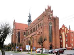 Klosterkirche Pelplin, Polen - das Kloster Pelplin ist eine ehemalige, der Jungfrau Maria, St. Bernhard, St. Benedikt und St. Stanislaus geweihte Zisterzienserabtei. Backsteingotik - Baubeginn um 1258,