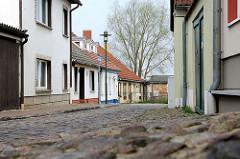 Kopfsteinpflaster und Fischerhäuser - Fotografien aus der Hansestadt Wolgast an der Peene.