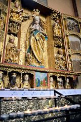 Mittelteil des gotischen Hochaltars; spätes Mittelalter - Maria mit dem Jesuskind. Frauenburger Dom / Kathedrale Frombork