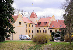 Schloss Krockow; erbaut Ende 14. Jahrhundert - Sitz der Familie von Krockow - jetzt eine Stiftung und Hotel.