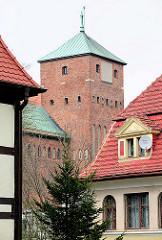 Turm des Rügenwalder Schloss - Wahrzeichen von  Darłowo, Polen.