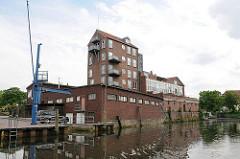 Hafen von Buxtehude - umgebautes Speichergebäude; Industriearchitektur.