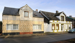 Einzelhäuser - Wohnhäuser, Architektur Ende des 19. Jahrhunderts / Historismus; unterschiedliche Hausfassaden. Bilder aus der Stadt Uetersen, Kreis Pinneberg.