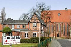 Fachwerkgebäude Gasthaus Dom Schänke am Dom von Bardowick.