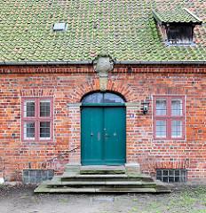 Historisches Wohngebäude der mittelalterlichen Wohnanlage vom St. Nikolaihof in Bardowick; ehemaliges Leprosenheim und Altenstift.