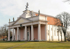 Barock-klassizistische Stadtkirche in Ludwigslust - erbaut 1770, Architekt Johann Joachim Busch - Hofkapelle.