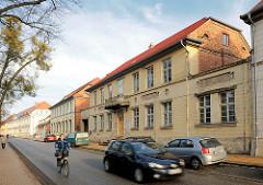 Klassizistische Architektur in der Kanalstrasse in Ludwigslust.
