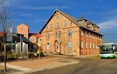 Eingangsbereich Stift Bethlehelm - historische Backsteinarchitektur an der Neustädter Strasse.