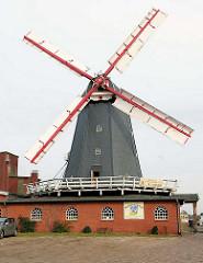 Historische Holländerwindmühle in Bardowick; erbaut 1813, noch heute im gewerblichen Betrieb.