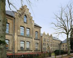 Ludwig-Meyn-Gymnasium in Uetersen - Klinkerfassade / Ziegelmauerwerk, erbaut 1878.