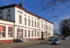Empfangsgebäude Bahnhof Ludwigslust; eröffnet 1846 - das Gebäude steht unter Denkmalschutz.