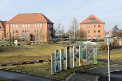 Ehem. Kasernengebäude in Ludwigslust - umgewidmet zu Wohn- und Gewerbehäusern.