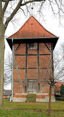 Viti-Turm der ehemaligen Viti-Kirche in Bardowick - dem Heiligen Vitus geweihten Fachwerkkirche. Im Dreissigjährgen Krieg abgebrannt - Neuaufbau in Fachwerkbauweise.