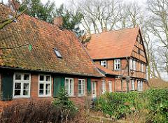 Historisches Fachwerkhaus der mittelalterlichen Wohnanlage vom St. Nikolaihof in Bardowick; ehemaliges Leprosenheim und Altenstift.